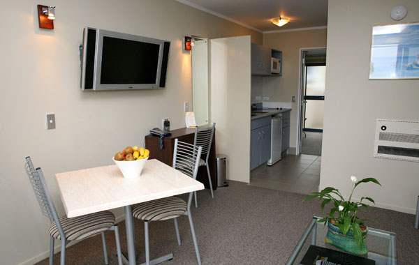 Taupo Accommodation One Bedroom Suite Lake Taupo